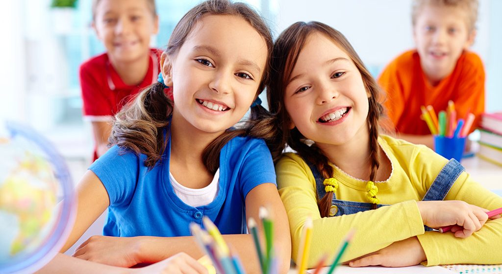 Podržite dete da nađe drugove u školi