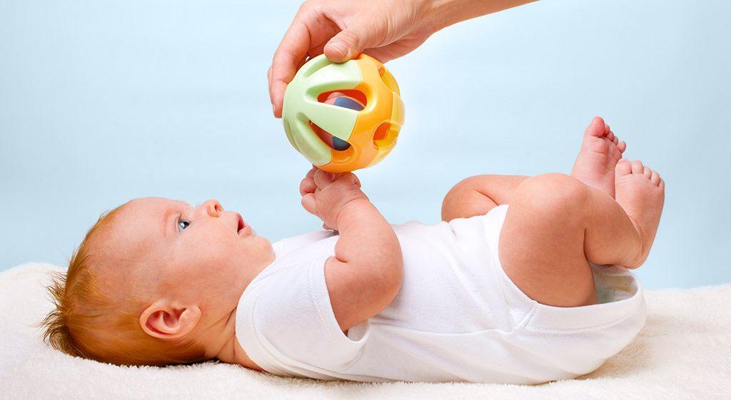 Igrajte se sa novorođenom bebom!